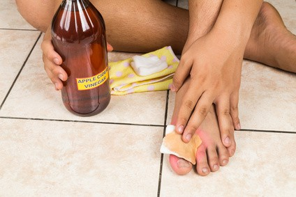 Is vinegar good for your feet
